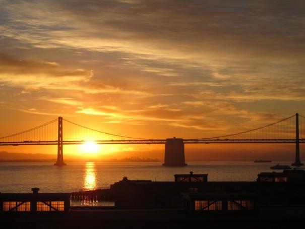 6ベイブリッジの朝日