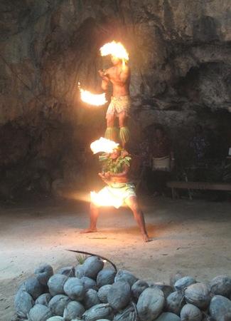 6ヒナ洞窟火の踊り
