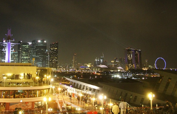 10シンガポール出港