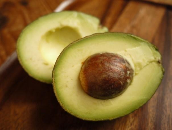アボカドはサンドイッチやサラダなど、料理に幅広く使える野菜です。