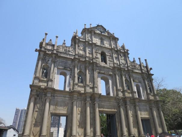 堂々たる聖ポール天主堂跡。