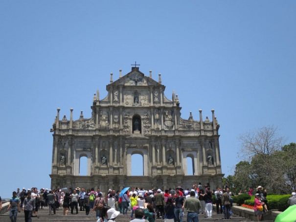 世界遺産の聖ポール天主堂跡。