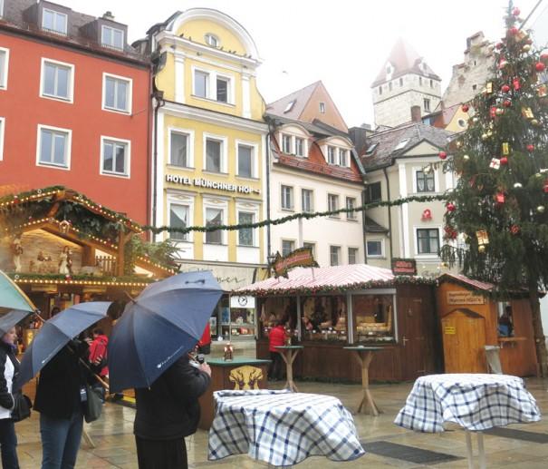 レーゲンスブルグクリスマスマーケット。