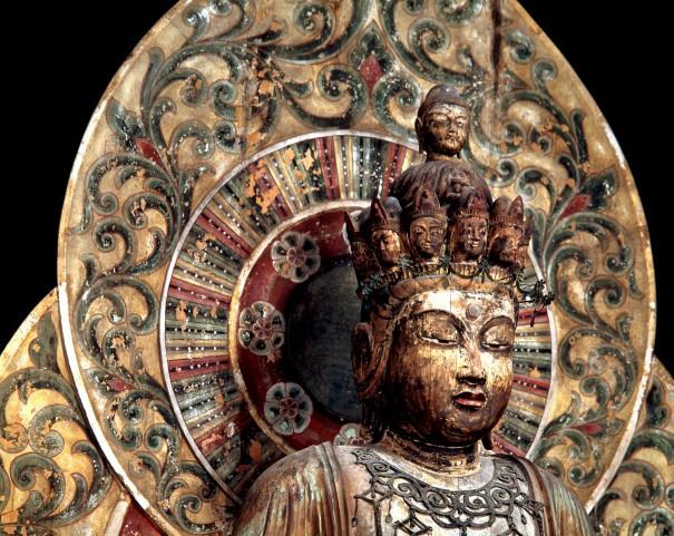 「室生寺金堂十一面観音像」(1977年)。入江お気に入りの仏像だった。