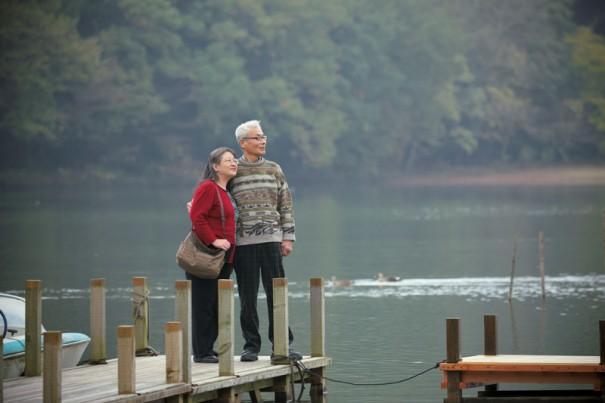 「伊豆の瞳」と称される一碧湖(いっぺきこ)畔にて。「幼い頃の娘は、ここのボートに乗るのが大好きで、3人でよく来ましたね」(公子さん)