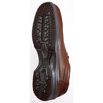 靴底には、滑りにくく自動車のタイヤのようなグリップ力を発揮する「ハイドロ・ストッパー」素材を採用。