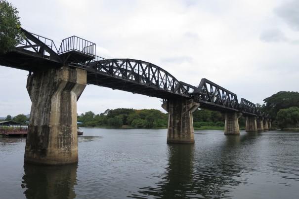 今でも使われている美しい橋。