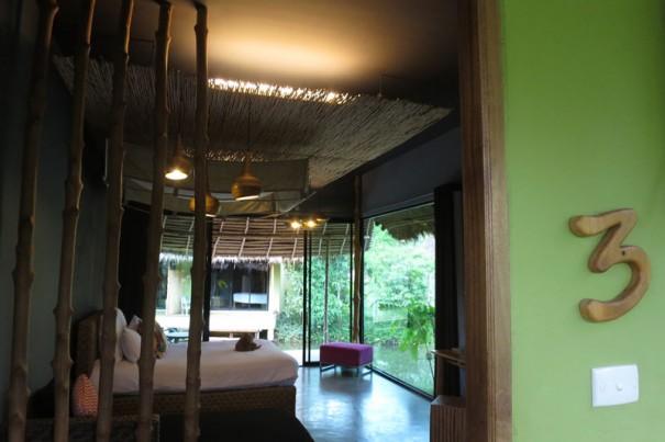 光あふれる部屋。緑が一面に。