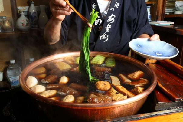 春菊は注文後に鍋に入れる。