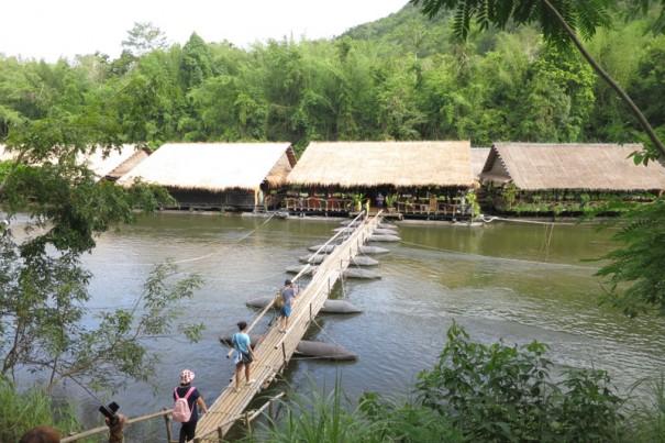 川に浮くホテル、リバー・クウェー・ジャングル・ラフツ。