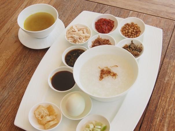 インドネシア風のお粥。