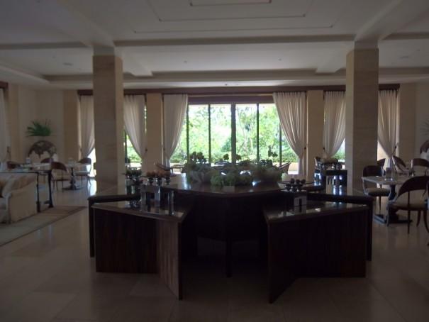 ムリア ヴィラスのリビングルーム。