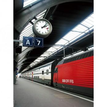 半世紀を超えて愛されるモンディーンの腕時計。オリジナルの時計は、スイス国鉄駅の3000か所以上に設置されている。