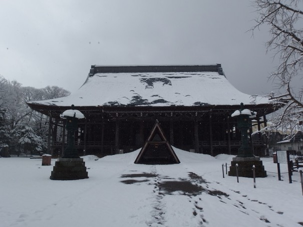 高岡市の古刹・勝興寺。