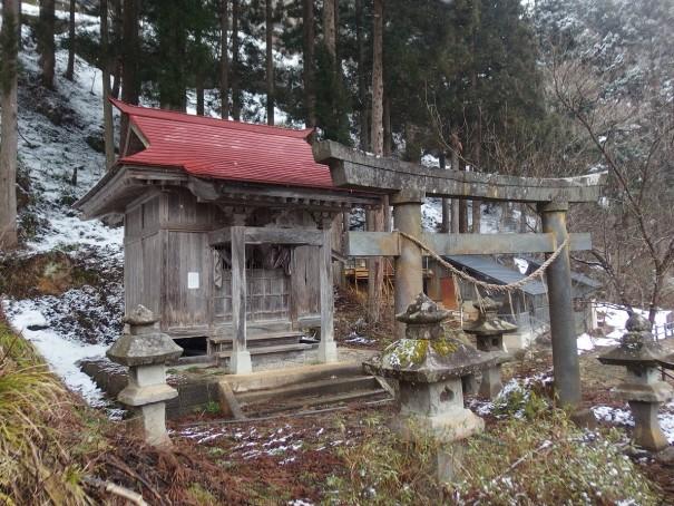温泉を守るシンボルである温泉神社。