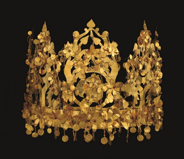 「冠」〔1世紀 ティリヤ・テペ出土 アフガニスタン国立博物館所蔵〕©NMA/Thierry Ollivier
