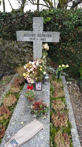 オードリーヘップバーンのお墓20160223_092612