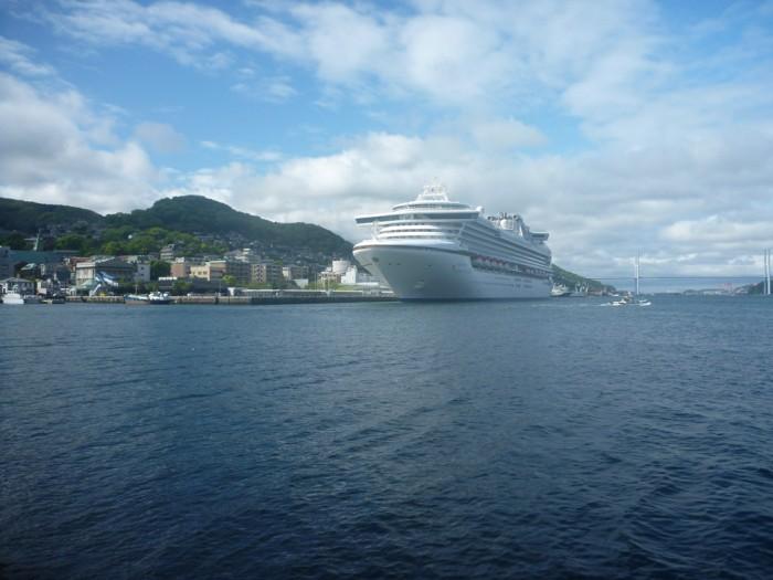 ダイヤモンドプリンセス号。写真は長崎停泊中のもの。