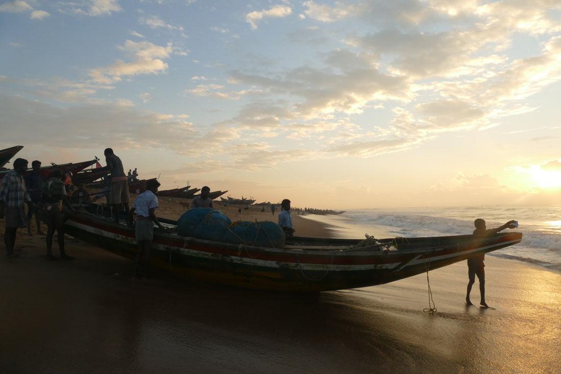 ベンガル湾の夜明け。