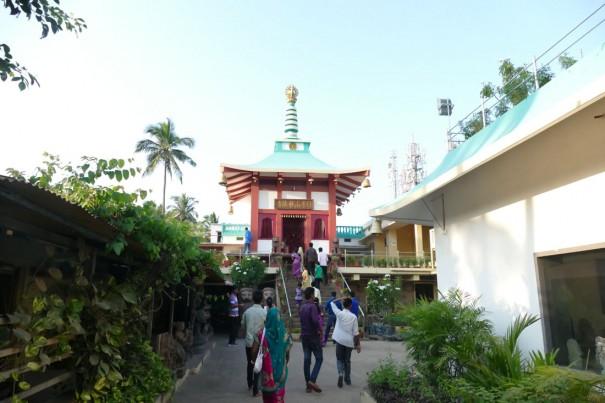 こんなところに日本のお寺?