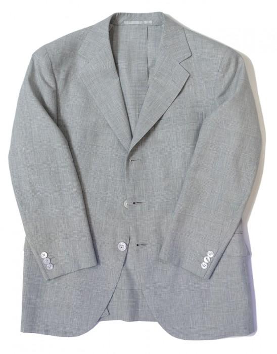 春夏物の生地(サマーウーステッド)で仕立てたジャケット。中は「大見返し」(後述)という仕立て方になっている。