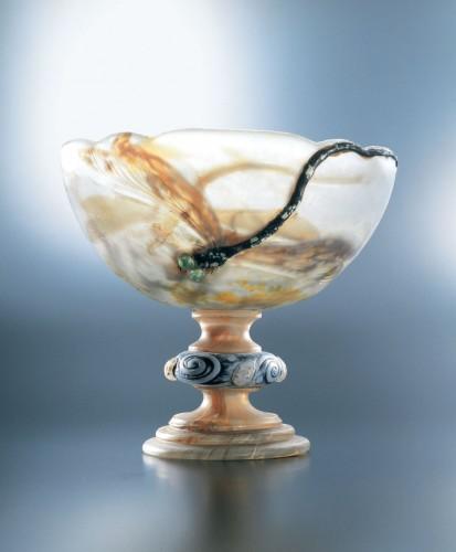 エミール・ガレ 脚付杯「蜻蛉」〔1903-4年 サントリー美術館蔵〕