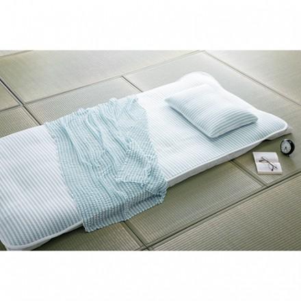 写真/枕=クールピロー、敷き布=クールパッド、掛け布=クールケット