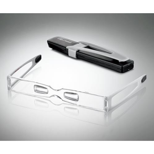 小型の面ファスナーテープが付属。たとえばケースとデジタルカメラに貼っておけば、カメラと眼鏡が一体化、撮影時に重宝。