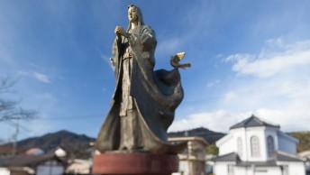 数奇な運命を辿った細川ガラシャの像(宮津市大手川ふれあい公園)。写真提供/宮津市観光交流課