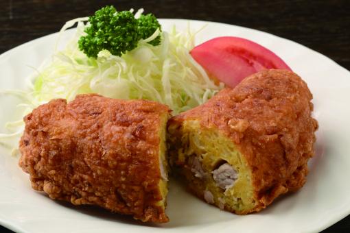 23-HAMA0539現在も東京・神田で営業を続ける老舗洋食店「松栄亭」の洋風カキアゲ。他では味わえないオリジナルのメニューである。