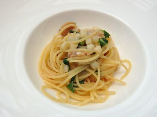 ハマグリと蕪のスパゲッティーニ