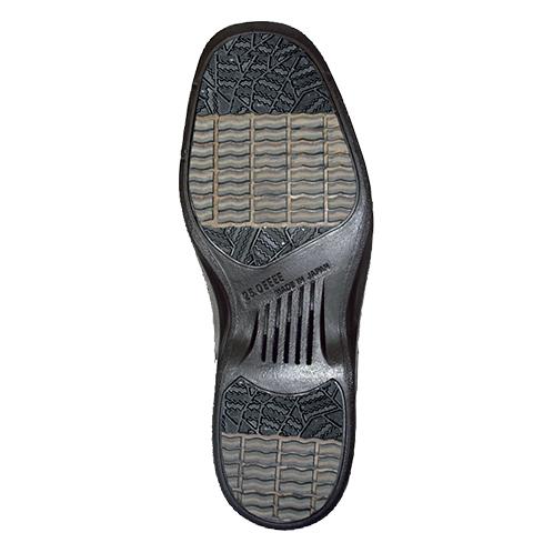 水の浸入を防ぎ、グリップ力も抜群 ソールとアッパーを一体成形することで水の浸入を防ぐ。靴底には特殊ラバーを配合、ウェーブが付けられて高いグリップ力を発揮する。