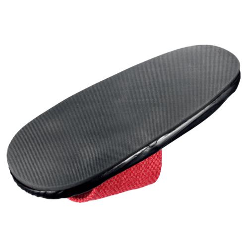 底には合成ゴムが貼られ、滑り止めとして、またクッション材にもなり歩きやすい。