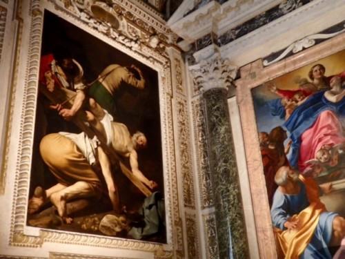 「聖ペテロの磔刑」刑吏の足裏の汚れにリアリズムを見る。