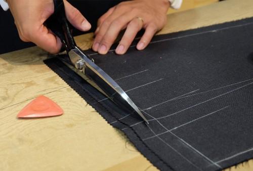 本縫い用にパーツを裁断しなおす。