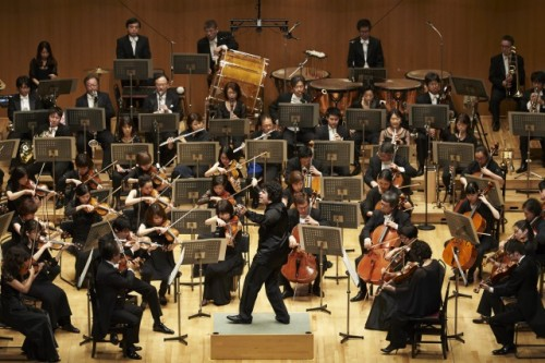 s_東京フィルハーモニー交響楽団(201509TOC定期:バッティストーニ(C)上野隆文)