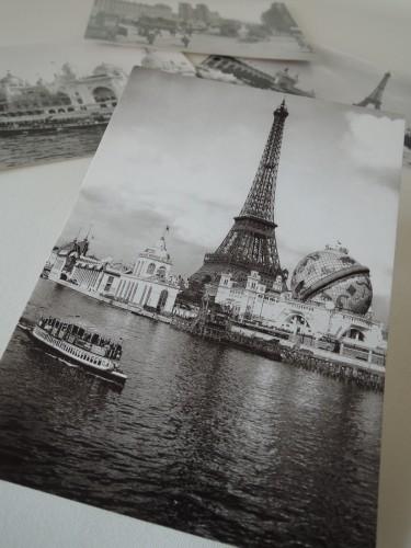 漱石が訪れた1900年、万国博覧会開催中のパリの絵葉書。