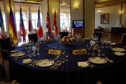 「ラ・メール ザ クラシック」のサミットテーブルでは各国首脳が滋味溢れる特別料理に舌鼓を打った。宿泊及びディナープランではこの特別料理をイメージした同じタイプのディナーが振る舞われる。
