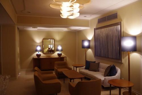 オバマ大統領が宿泊した「ザ クラシック」の「ロイヤルスイートルーム」。現在も照明や椅子などを始め、随所に建築家・村野藤吾氏の意匠が色濃く残されている。