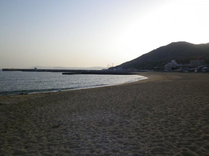 『松風』の舞台となった須磨海岸。