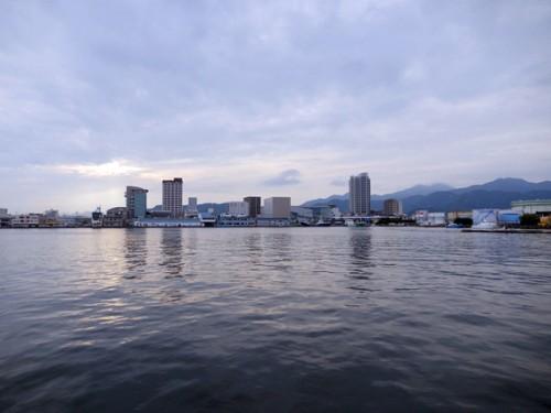 清水港で魚介類を扱う江尻埠頭地区。(撮影/藤田修平)