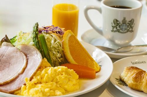贅沢気分を満喫できる京の朝食。