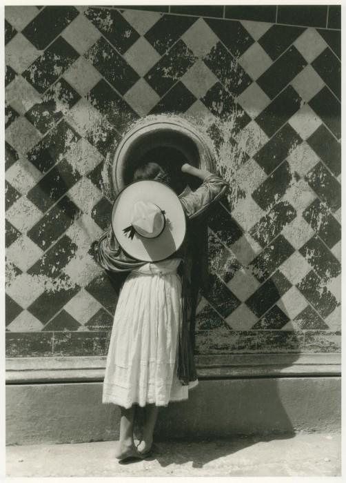 アルバレス・ブラボ《舞踏家たちの娘》1933年 ?Colette Urbajtel / Archivo Manuel Álvarez Bravo,S.C.