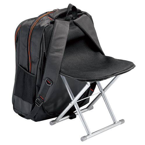 背面は蒸れにくいメッシュ素材、クッション性があるので快適な使用感。