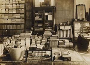 漱石山房の書斎。漱石はここで数多くの名作を紡いだ。写真提供/神奈川近代文学館