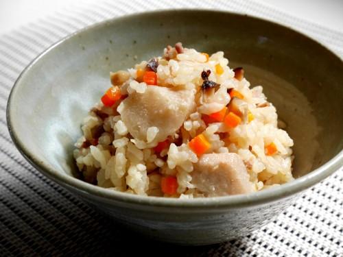 ほっくりした里芋の食感も楽しめる「チンヌクジューシー」。