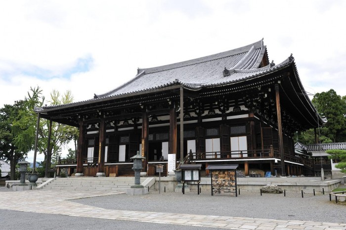 浄土宗七大本山のひとつにふさわしい堂々とした御影堂(みえいどう)。伝運慶作の文殊菩薩像と中国伝来の吉備観音像も特別公開される。