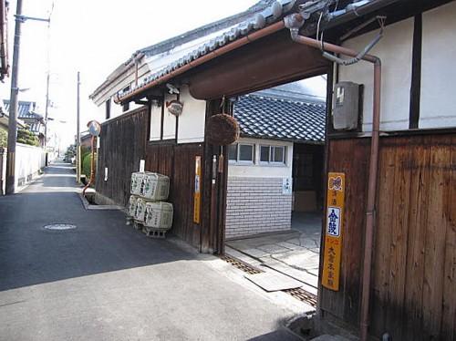 大倉本家の通用門。