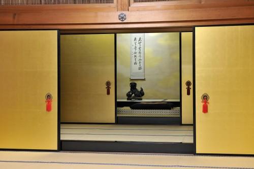 大方丈の「謁見の間」。近藤勇など多くの歴史的人物がこの部屋で松平容保に謁見した。
