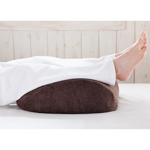 足を心臓より高くして眠ることで、血行が促進され疲労感が軽減される。本体を逆向きにして使うと、腰への負担軽減にも役立つ。